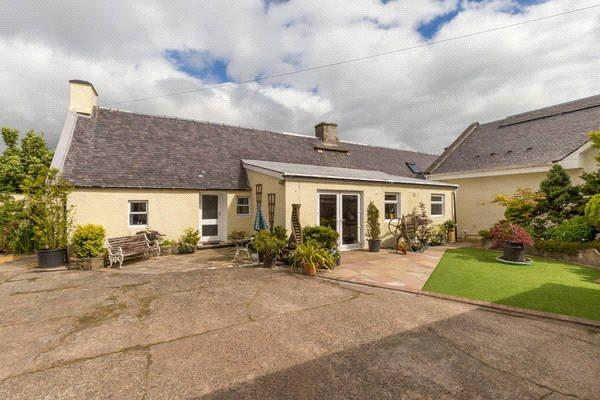 5 Bedrooms Detached House for sale in Kewnston Farmhouse, Minishant, By Ayr, South Ayrshire, KA19