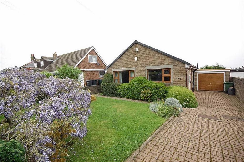 2 Bedrooms Detached Bungalow for sale in Lidgett Lane, Skelmanthorpe, Huddersfield, HD8