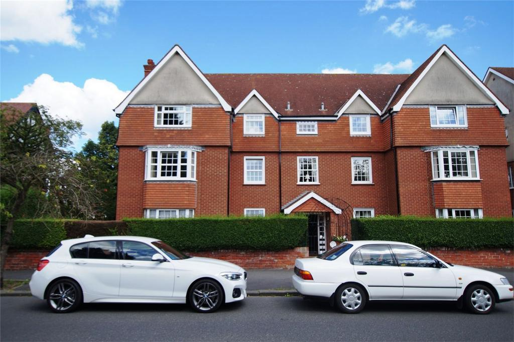 3 Bedrooms Flat for sale in Albany House, 10 Holbeck Hill