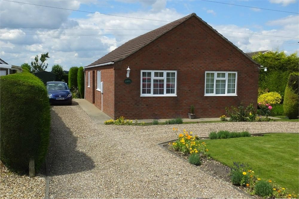 3 Bedrooms Detached Bungalow for sale in Main Road, Brothertoft, Boston, Lincolnshire