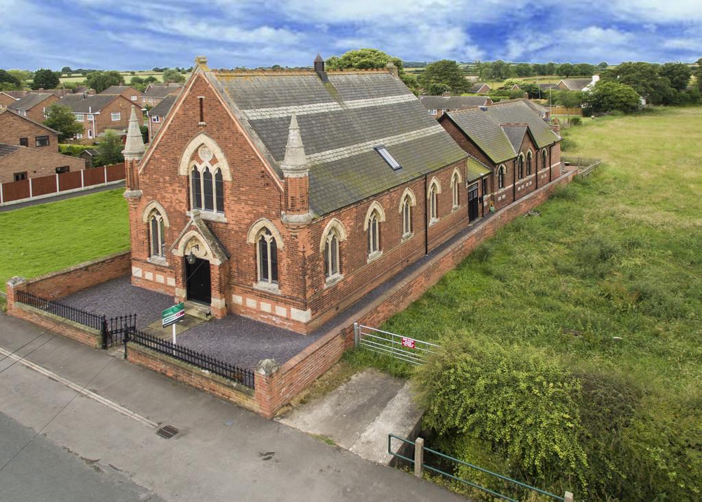 4 Bedrooms Detached House for sale in High Street, Walkeringham, Doncaster