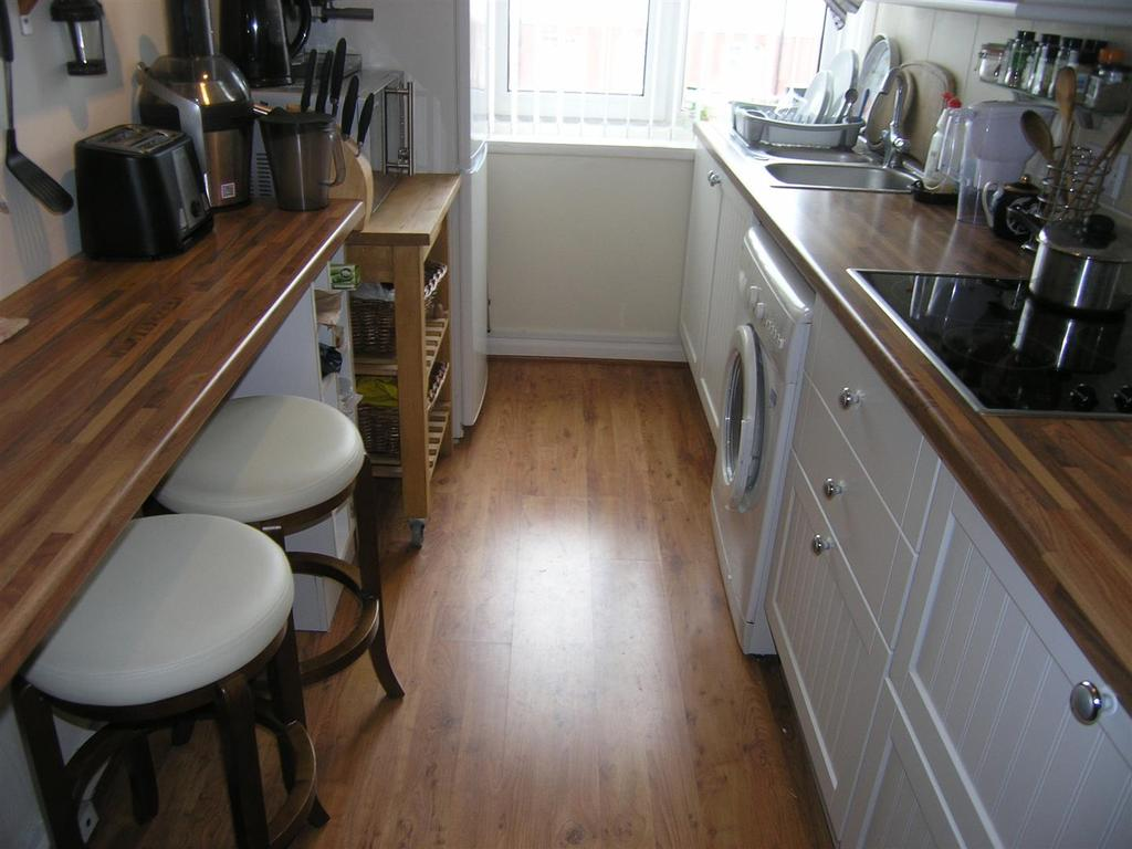 Studio Flat for sale in De La Warr Parade