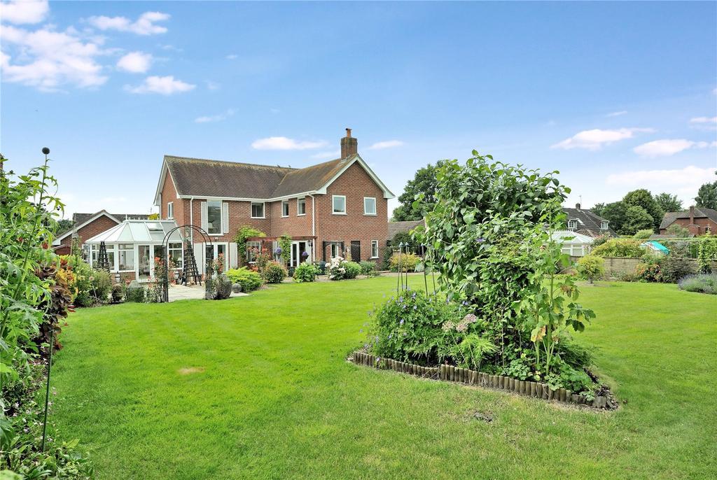 4 Bedrooms Detached House for sale in Blandford Road, Iwerne Minster, Blandford Forum, Dorset