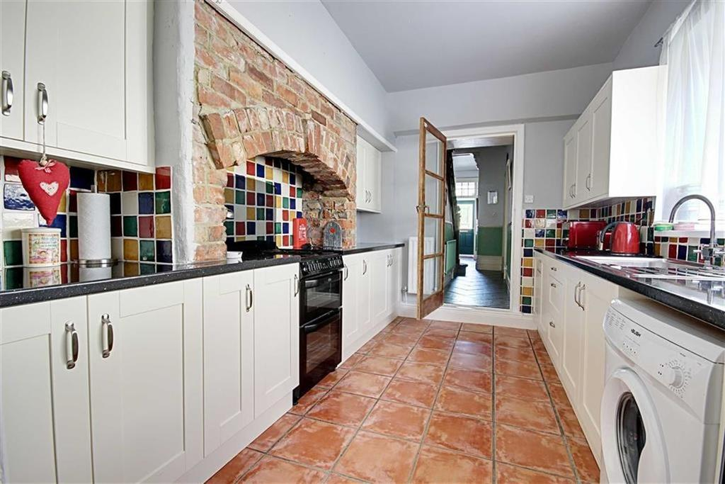5 Bedrooms Terraced House for sale in Sunderland Road, South Shields, Tyne And Wear