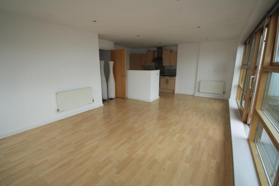 3 Bedrooms Apartment Flat for rent in REGENTS QUAY, BREWERY WHARF, LEEDS, LS10 1HF