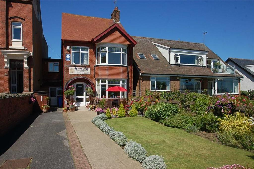 8 Bedrooms Detached House for sale in Sands Lane, Bridlington, YO15