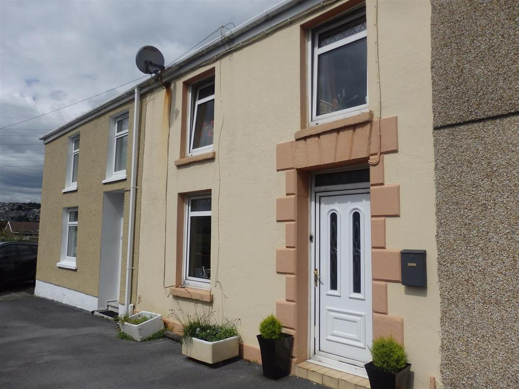 2 Bedrooms Terraced House for sale in Globe Row, Llanelli