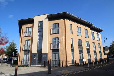 2 bedroom flat to rent - Four Chimneys Crescent