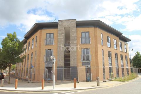 2 bedroom flat to rent - Four Chimneys Crescent