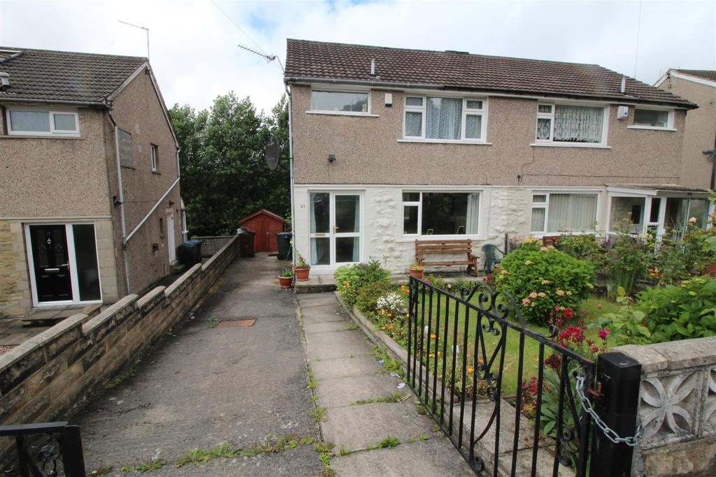 3 Bedrooms Semi Detached House for sale in Kingsley Avenue, Bradford, BD2 1DP