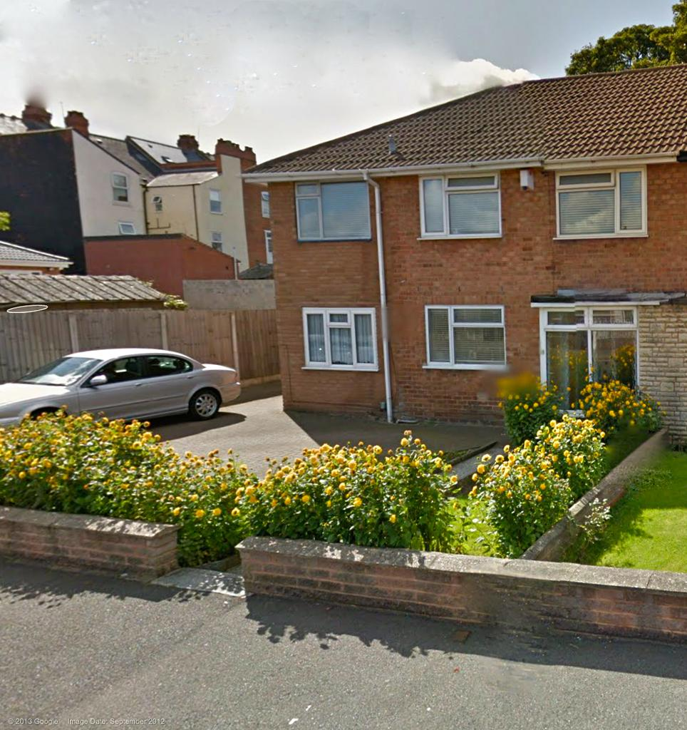 5 Bedrooms Semi Detached House for sale in LYONS GROVE