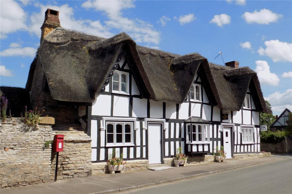 4 Bedrooms Detached House for sale in Main Street, Offenham, Evesham, Worcestershire, WR11