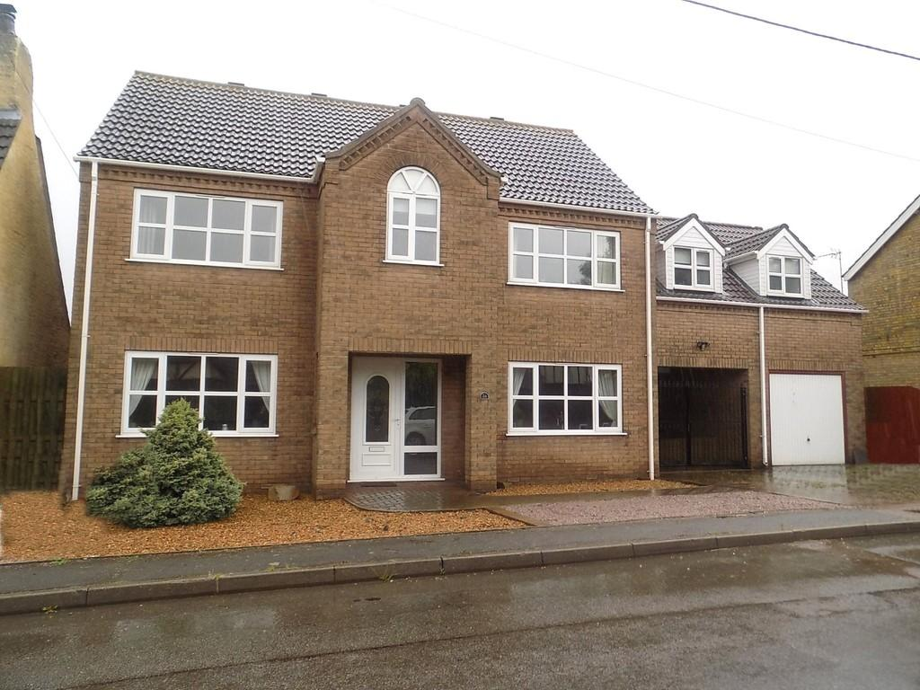 4 Bedrooms Detached House for sale in Eastwood End, Wimblington