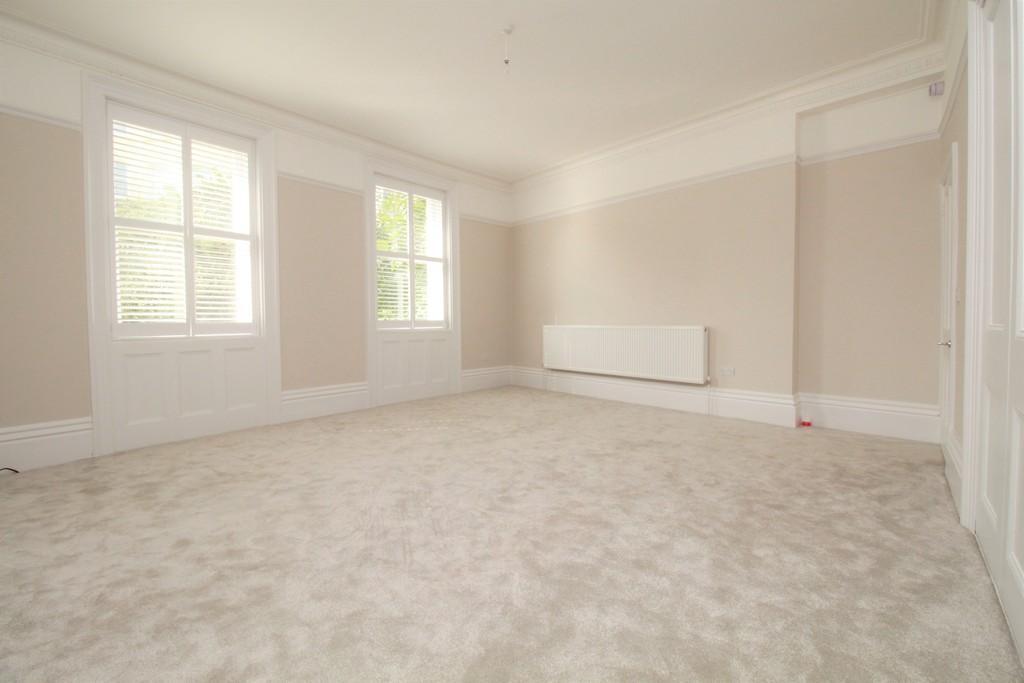 2 Bedrooms Flat for sale in Montpelier Crescent, Brighton, BN1 3JL