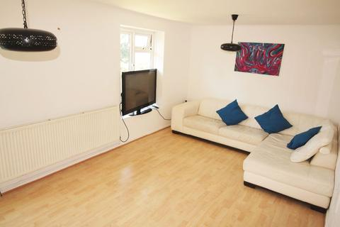 2 bedroom flat to rent - Cromwell House, Sydney Road, Muswell Hill, N10