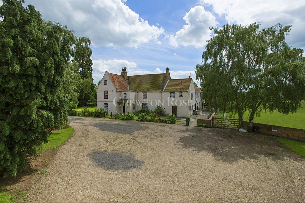 4 Bedrooms Farm House Character Property for sale in North Clifton, Newark, Nottinghamshire