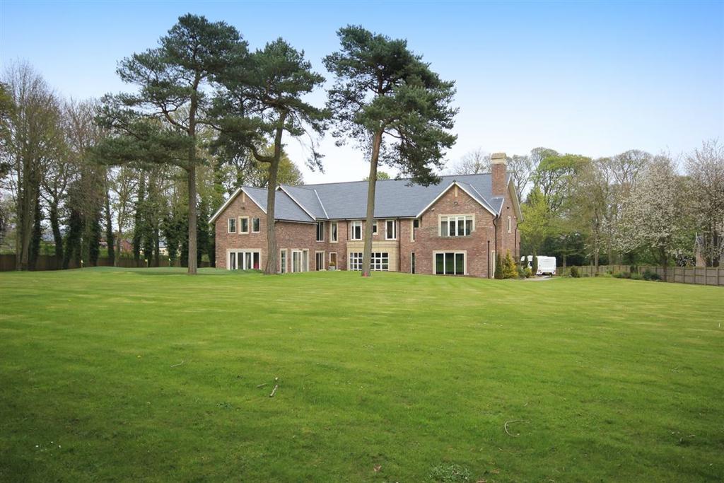 5 Bedrooms Detached House for sale in Stockton Road, Castle Eden, Durham