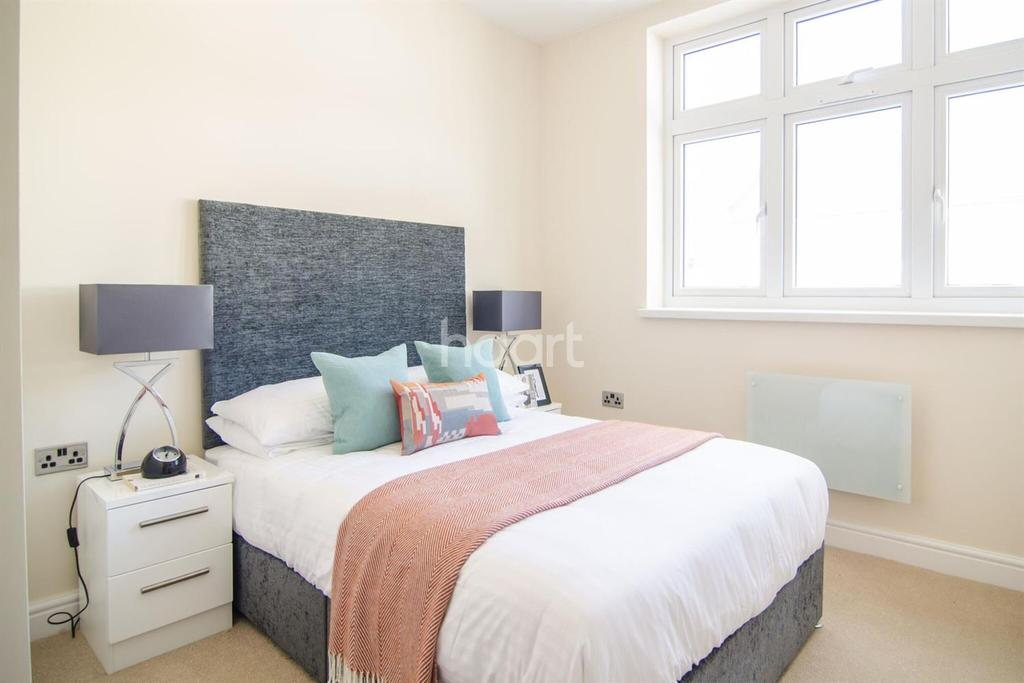 2 Bedrooms Flat for sale in Flat 23 Ealing Mews