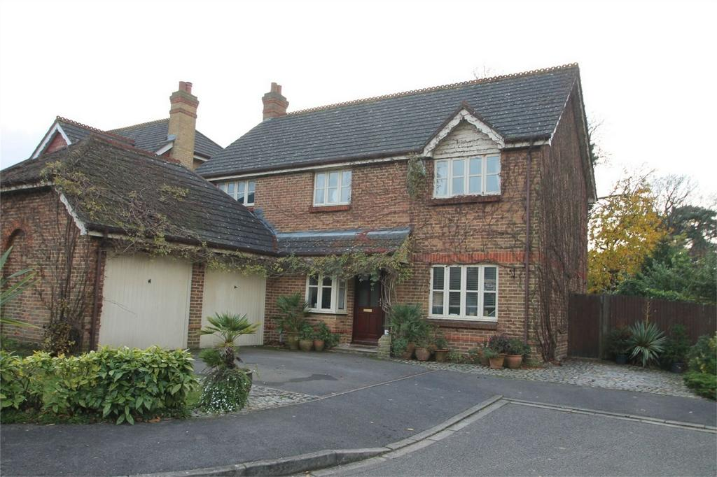 4 Bedrooms Detached House for sale in Postmill Close, Shirley, Croydon, Surrey