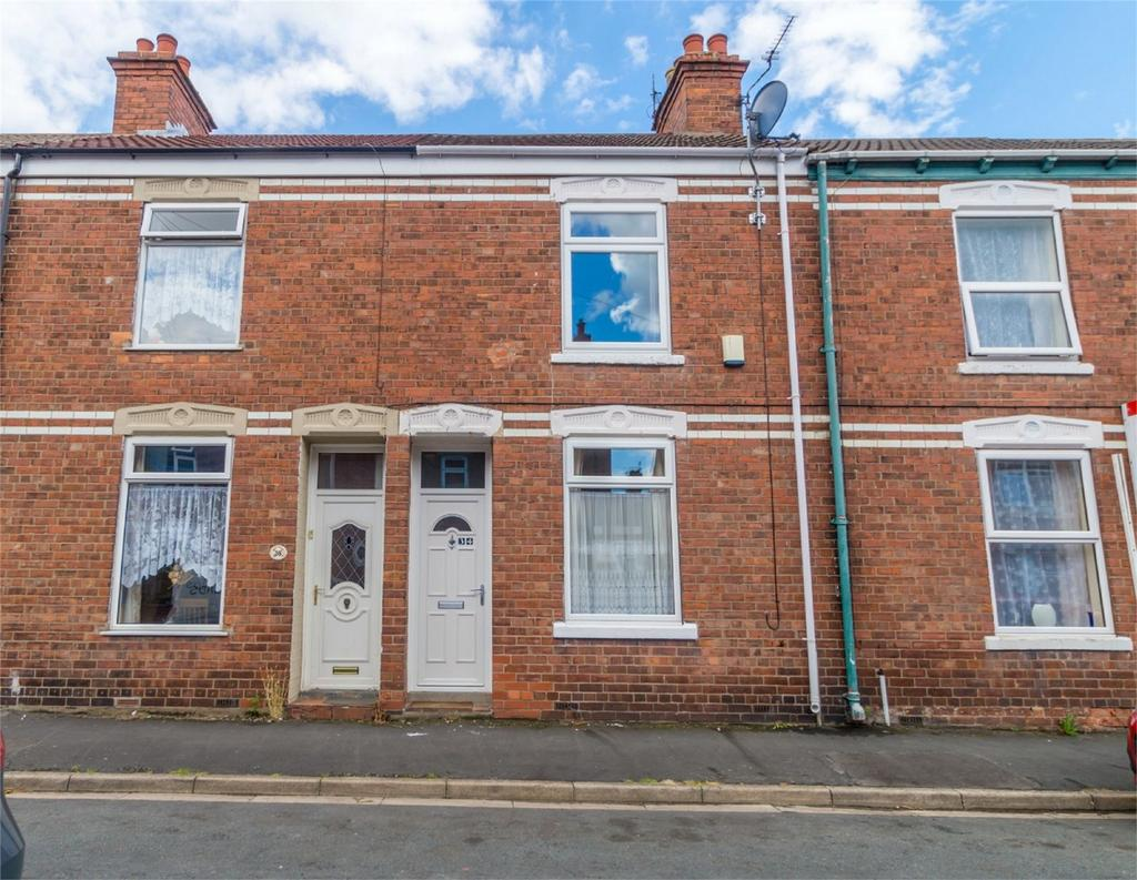 2 Bedrooms Terraced House for sale in Kitchener Street, SELBY, North Yorkshire