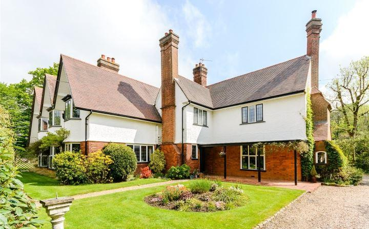6 Bedrooms Detached House for sale in Bois Avenue, Chesham Bois, Amersham, Buckinghamshire, HP6