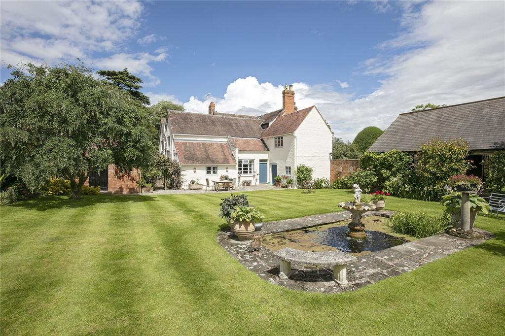 6 Bedrooms Detached House for sale in Evesham Road, Norton, Evesham, Worcestershire, WR11