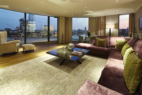 3 bedroom penthouse to rent - Three Quays Apartments, 40 Lower Thames Street, London, EC3R
