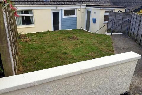 2 bedroom semi-detached bungalow to rent - Midway Drive, Truro