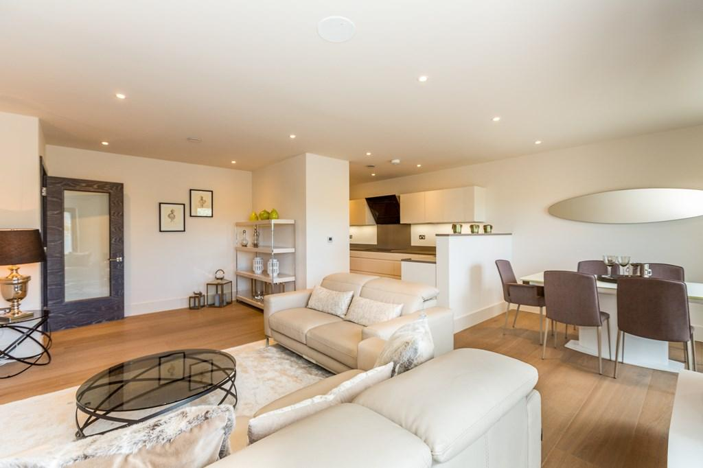 2 Bedrooms Apartment Flat for sale in Les Residences, Castel, Guernsey