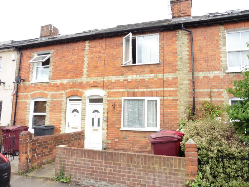 3 Bedrooms Terraced House for sale in Carnarvon Road, Reading, RG1
