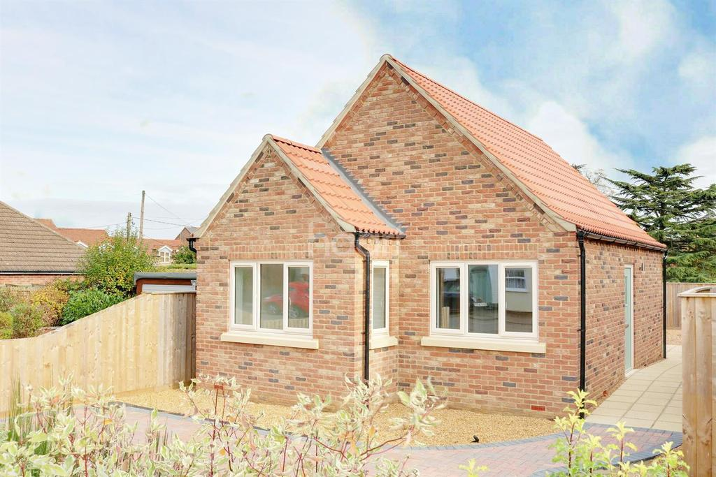 2 Bedrooms Bungalow for sale in Gaultree Square, Emneth