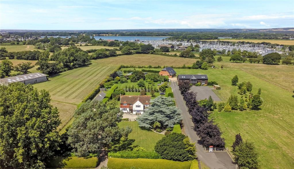 4 Bedrooms Detached House for sale in Birdham Road, Chichester, West Sussex