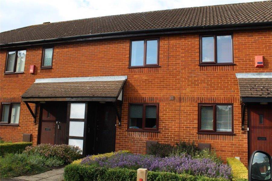 2 Bedrooms Terraced House for rent in Darlington Close, Amersham, Bucks HP6