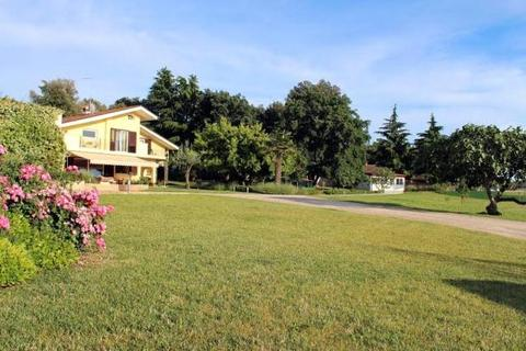 4 bedroom house  - Intimate Villa With Land, Rovinj, Istria