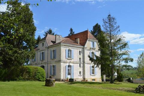 10 bedroom house  - Bergerac Green Belt, Dordogne, France