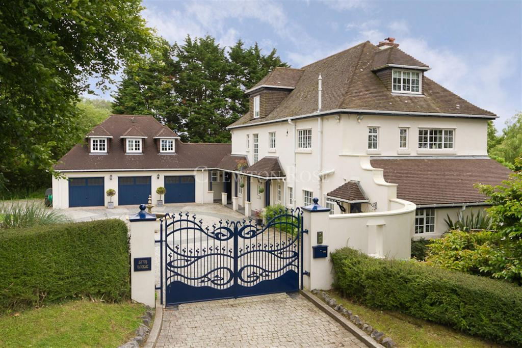 6 Bedrooms Detached House for sale in Capel Llanilltern, Cardiff