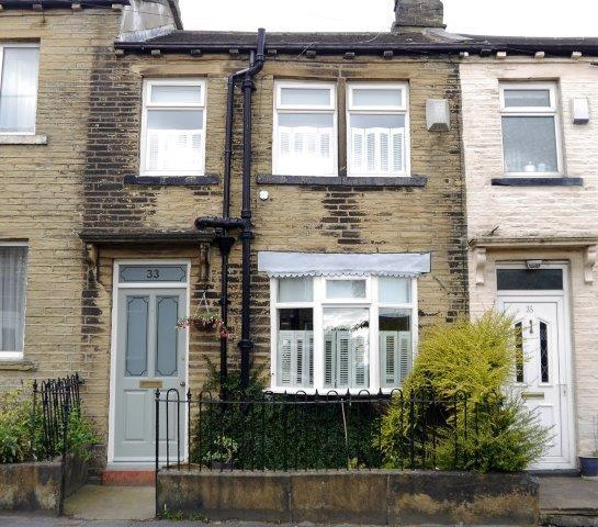 2 Bedrooms Terraced House for sale in North Parade, Allerton, Bradford, BD15 7DP