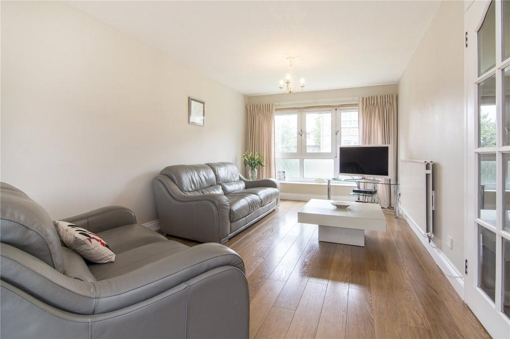 3 Bedrooms Flat for sale in Rosebank Gardens, Bow, London, E3