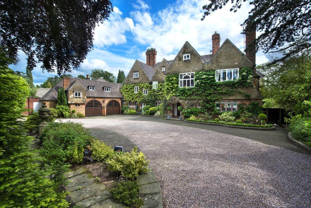 10 Bedrooms Detached House for sale in Bracebridge Road, Four Oaks Park, Sutton Coldfield