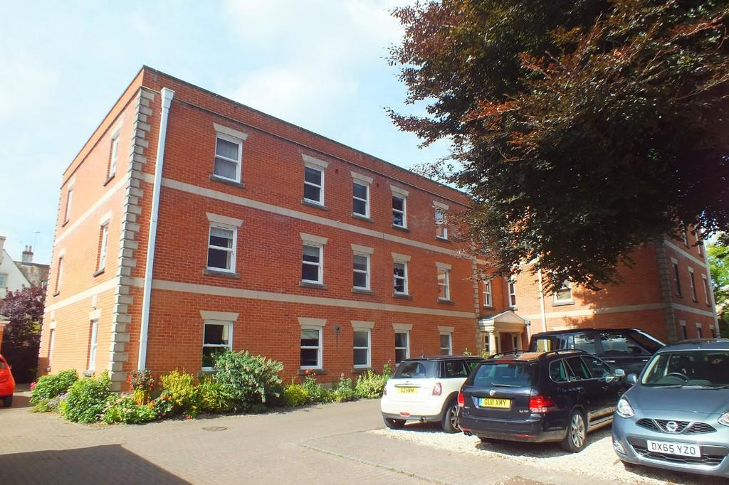 2 Bedrooms Apartment Flat for sale in Cirencester