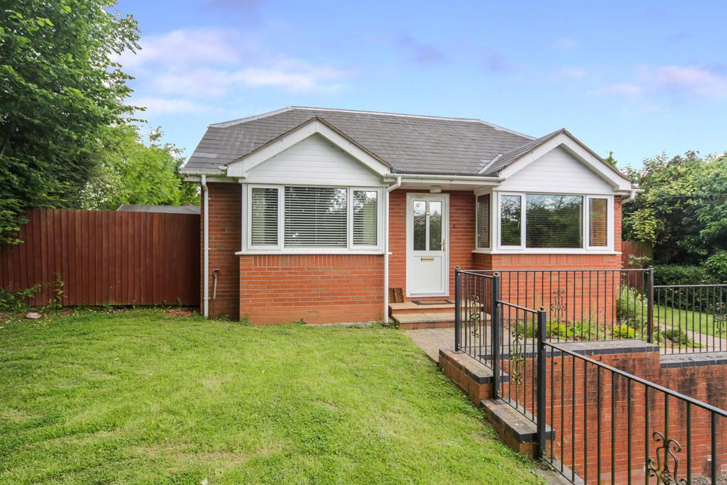 2 Bedrooms Detached Bungalow for sale in Tenbury Wells, Worcestershire, WR15 8EW
