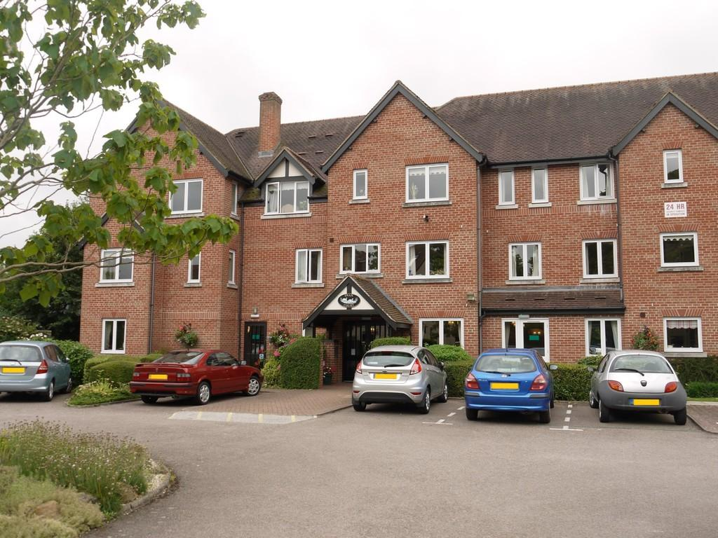 2 Bedrooms Apartment Flat for sale in Banbury Road, Stratford-Upon-Avon