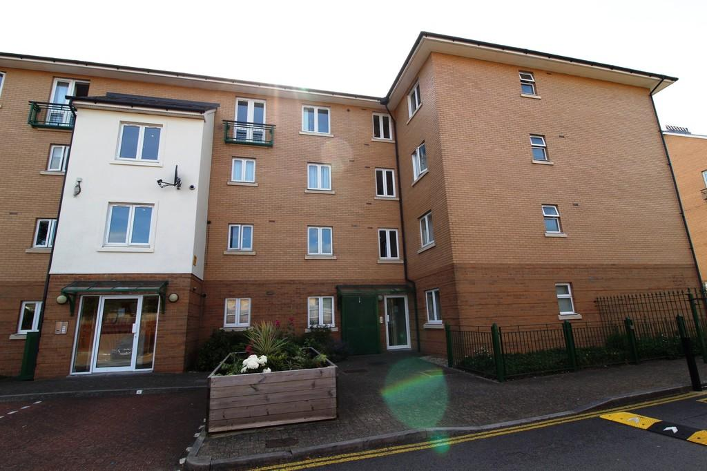 1 Bedroom Apartment Flat for sale in Roma House, Vellacott Close, Cardiff