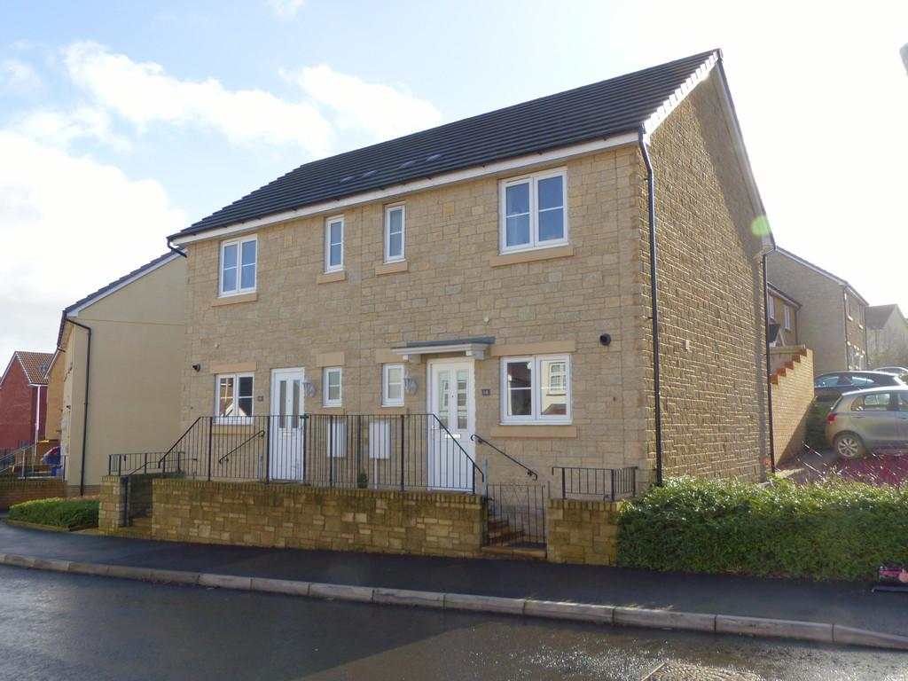 2 Bedrooms Semi Detached House for sale in Meadow Rise, Highweek