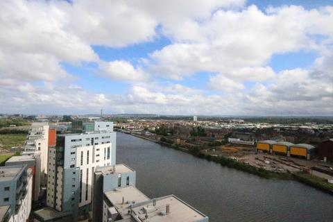 2 bedroom flat to rent - Meadowside Quay Square, Glasgow Harbour, Glasgow, G11 6BS