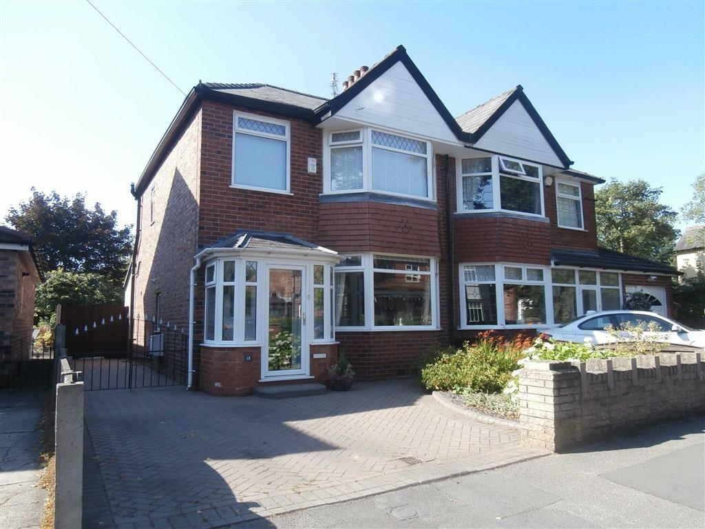 3 Bedrooms Semi Detached House for sale in Westgate, Urmston