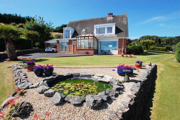 3 Bedrooms Detached House for sale in North Hill - Minehead