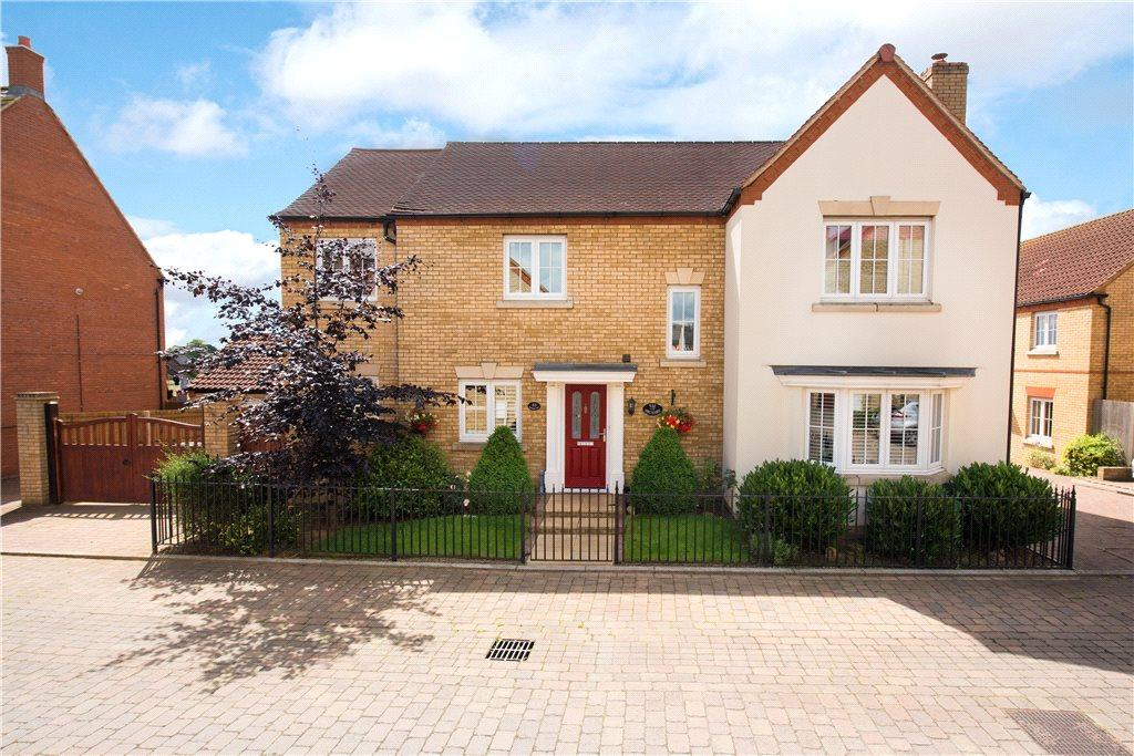 5 Bedrooms Detached House for sale in Orchard Way, Lower Stondon, Henlow, Bedfordshire