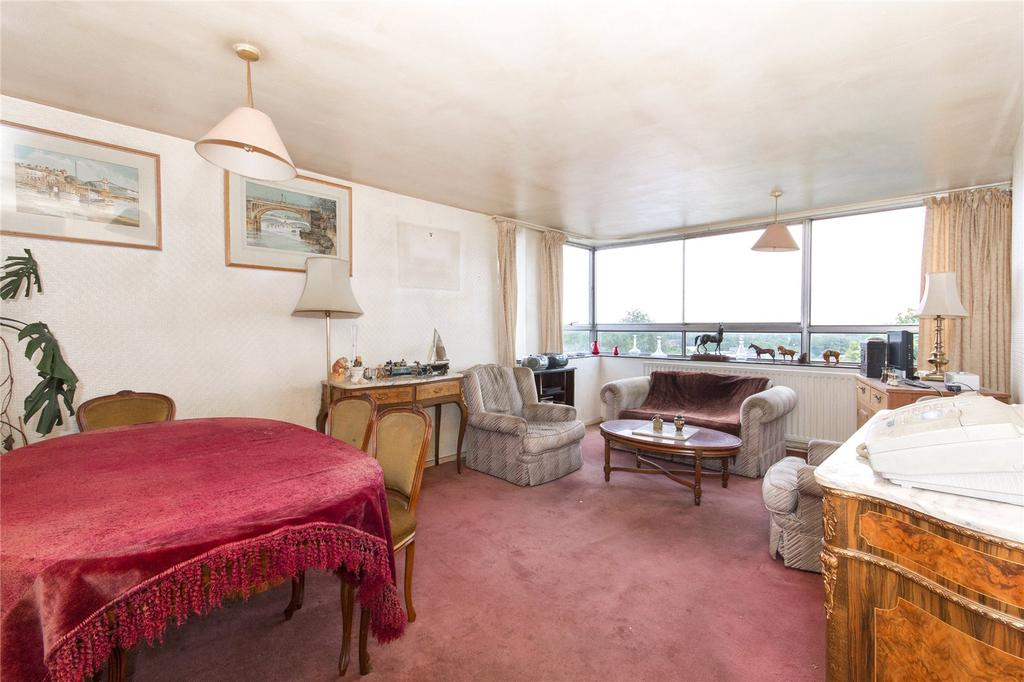 2 Bedrooms Flat for sale in The Towers, Lower Mortlake Road, Richmond, Surrey