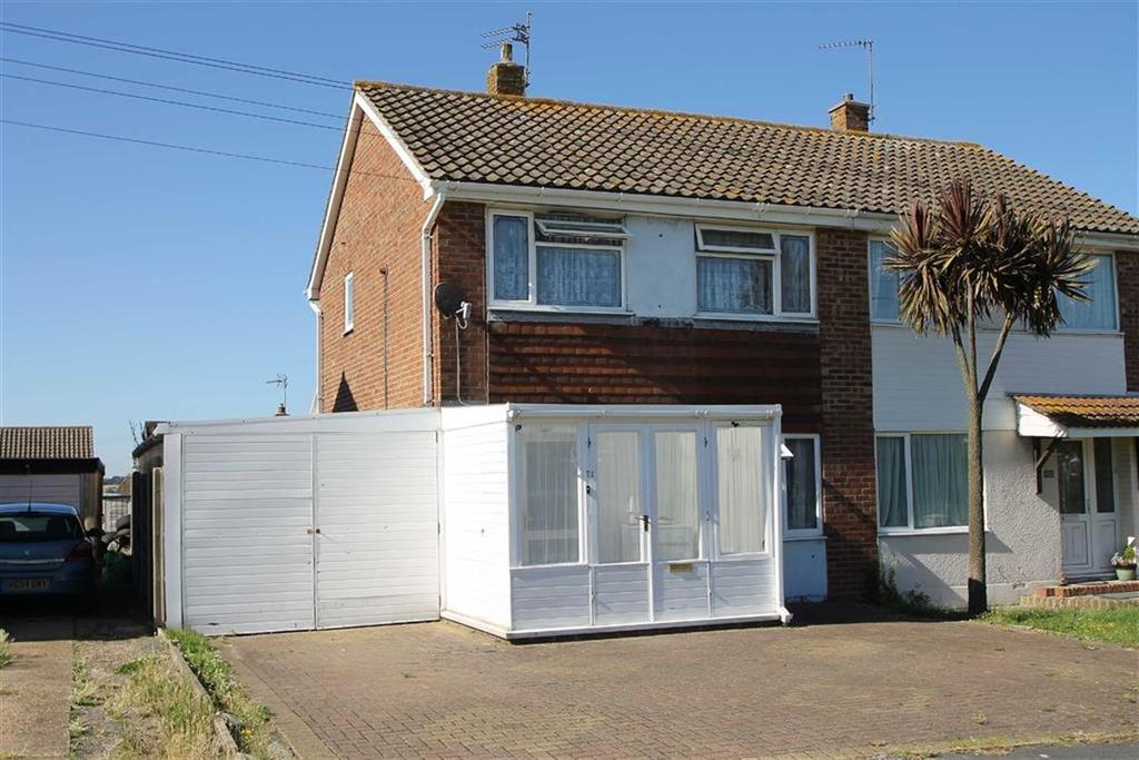 3 Bedrooms Semi Detached House for sale in Aylesbury Drive, Holland-on-Sea